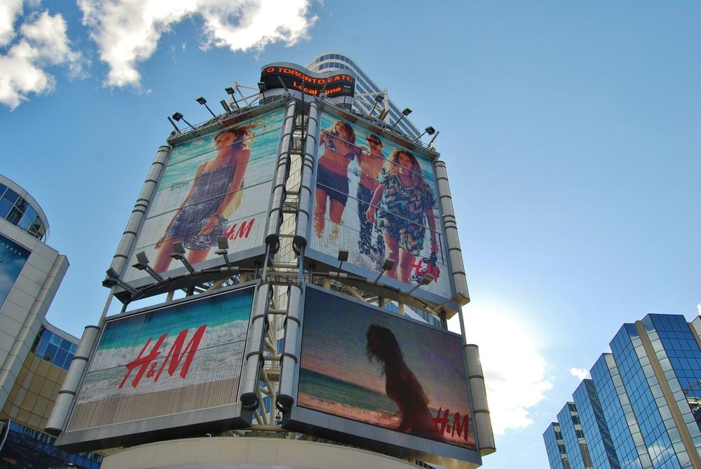 ejemplo publicidad exterior